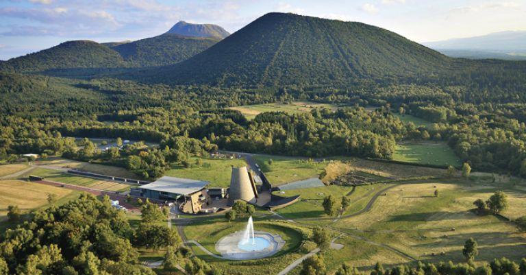 Auvergne - Chaîne des Puys & Parc Vulcania
